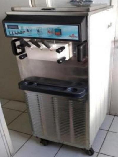 Máquina sorvete Suprema - usada